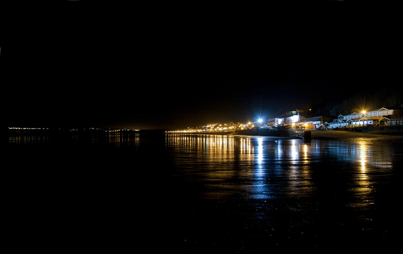 3 Filey at Night : The Brigg
