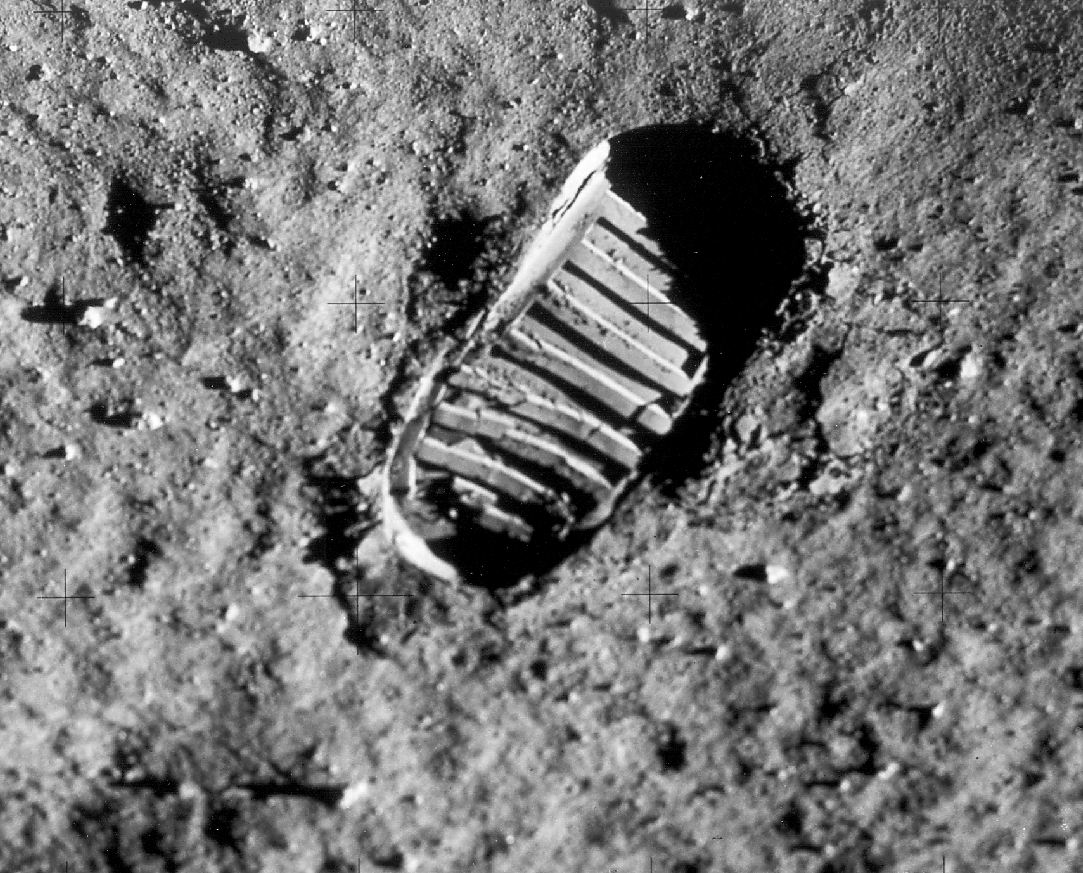 neil armstrong first step - photo #21