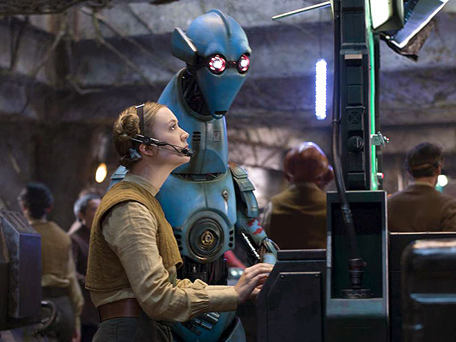 New Star Wars The Force Awakens Promotional Images _ Billie Lourde Resistance 1