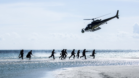 Rogue One A Star Wars Story Official Hi Res HD Images _ On set beach assault Planet Scarif