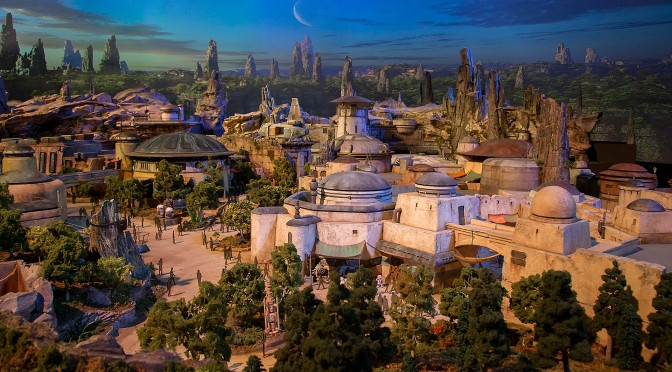 Star Wars Land Model at D23 : Image Gallery
